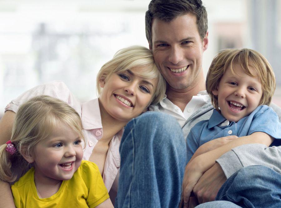 familia feliz sin humedad por condensación