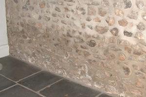 Filtración lateral en casa con zonas soterradas